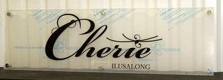 Cherie Ilusalongi pleksiklaasist silt
