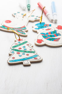 colouring Christmas tree ornaments, 3 pcs